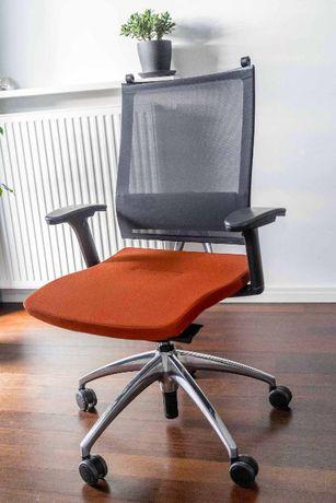 Ergonomiczny fotel + podnóżek - zestaw firmy Sedus, seria Open Up