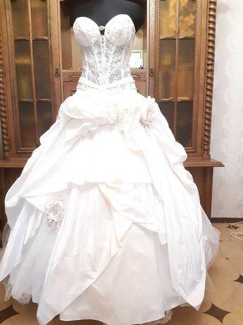 Свадебное платье 44р.