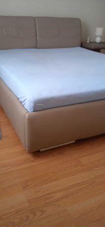 Sprzedam łóżko sypialniane