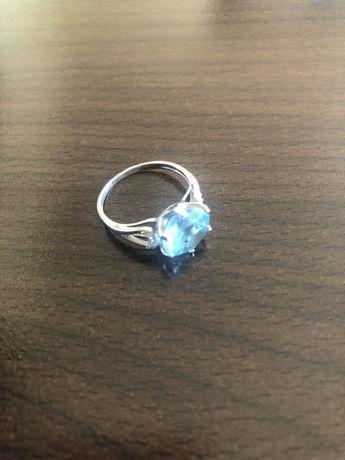 Серебряное кольцо с натуральным топазом новое серебро топаз
