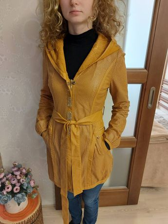 Продам пальто на тёплую погоду