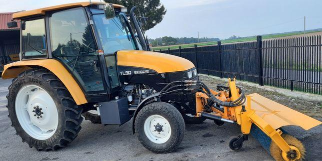 New holland TL90, zamiatarka, traktor komunalny.