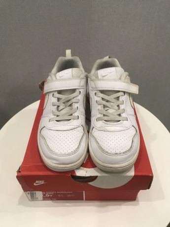 Кроссовки Nike, боссоножки/тапочки Crocs, кроссовки Skechers
