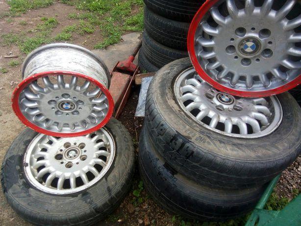 Продам летые оригинальные диски r 15 BMW ,состояние на 3,не вариные.