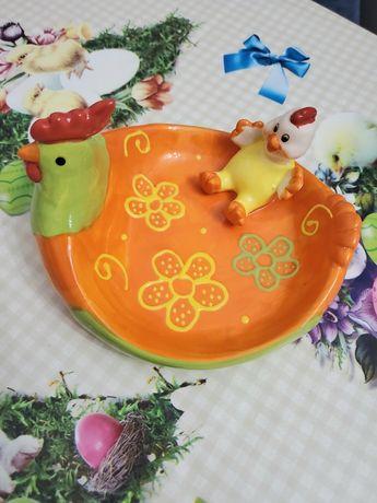 Тарелка пасхальная конфетница курочка.