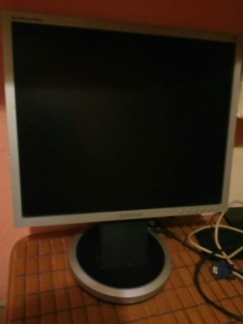 Monitor Samsung GH 19PS