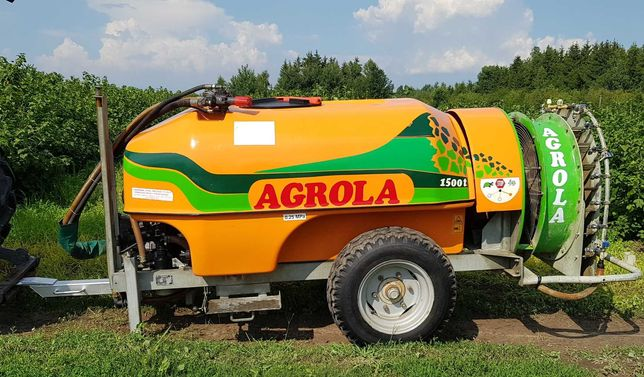 Opryskiwacz sadowniczy Agrola 1500l