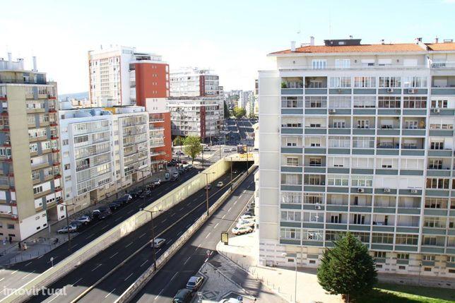 Apartamento T2 - Av. E.U. América - Alvalade