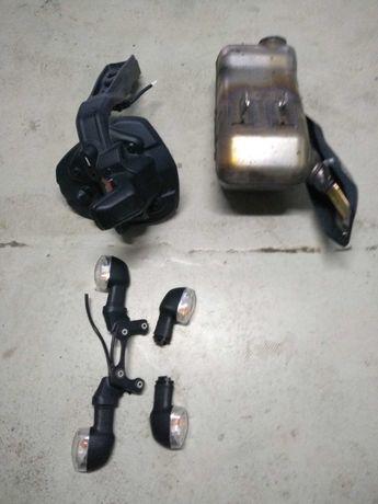 Kierunkowskazy, błotnik, mocowanie tablicy, wydech Yamaha mt 09