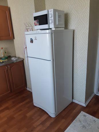 Продам холодильник б/у.