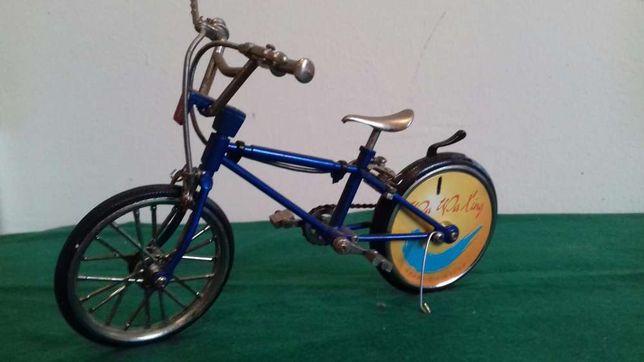 Bicicleta isqueiro antiga