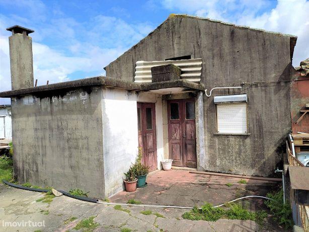 Moradia T2 Venda em Macieira de Sarnes,Oliveira de Azeméis