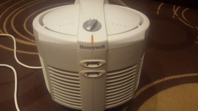 Este purificador de ar redondo da Honeywell com um verdadeiro filtro p