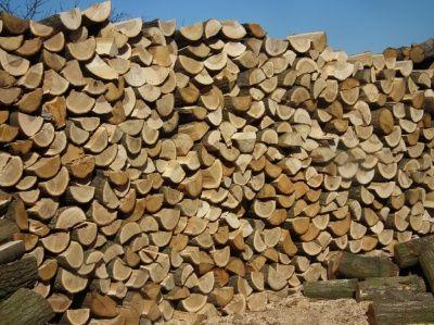 Suche drewno kominkowe - Transport