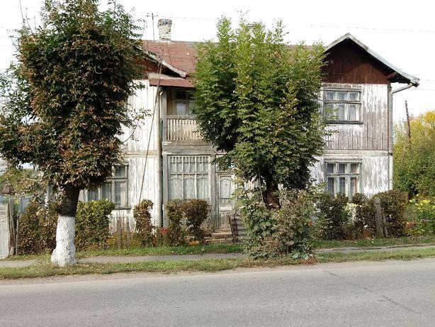 Продається будинок в зручному місці недалеко від джерела