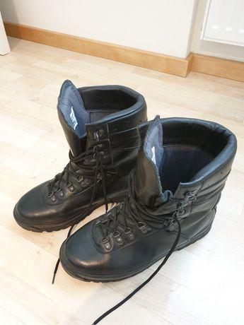 Buty wojskowe zimowe r. 28 używane
