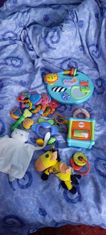 Zabawki widoczne na zdjęciu!