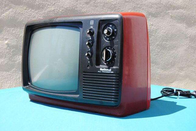 TV Televisão National model TR-602EU Vemerlha Vintage Space Age 70´s