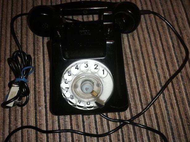 Telefon -aparat telefoniczny z lat 50-tych PRL