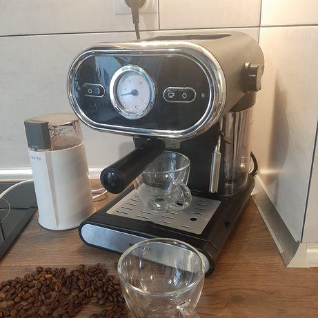 Ekspres do Kawy + młynek do kawy