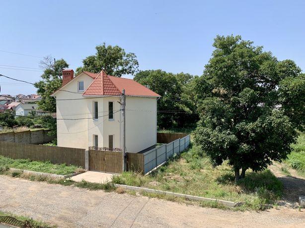 Двухэтажный дом в Червоном Хуторе