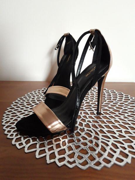Sandały czarno złote, 39 deezee