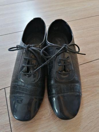 Buty czarne, pantofle