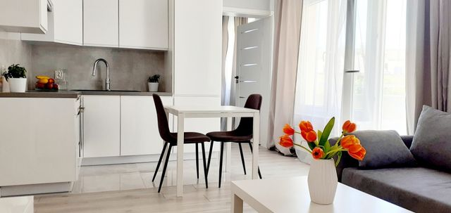 nowe 2 pok. mieszkanie w samym centrum z balkonem i komórką lokatorską