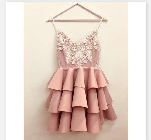 Sukienka emo esmeralda XS 34 pudrowy róż biała koronka falbany