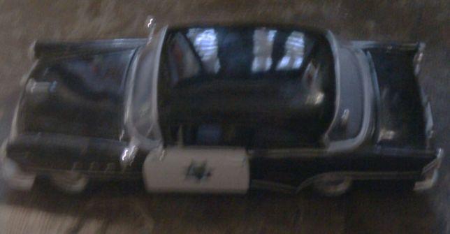 автомодель Buick Century 1955 года(Дорожная полиция ) от MAISTO,1:26