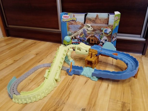 Adventures Tomek i przyjaciele zestaw dino-blast kości dinozaura