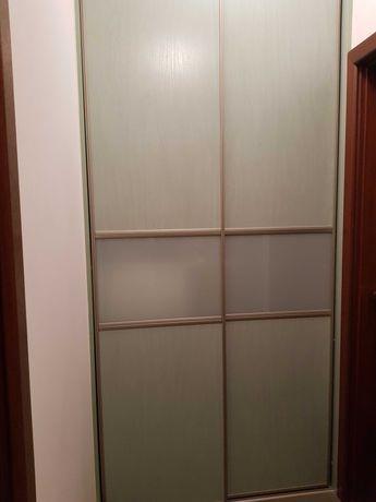drzwi przesuwne z szybą mleczną