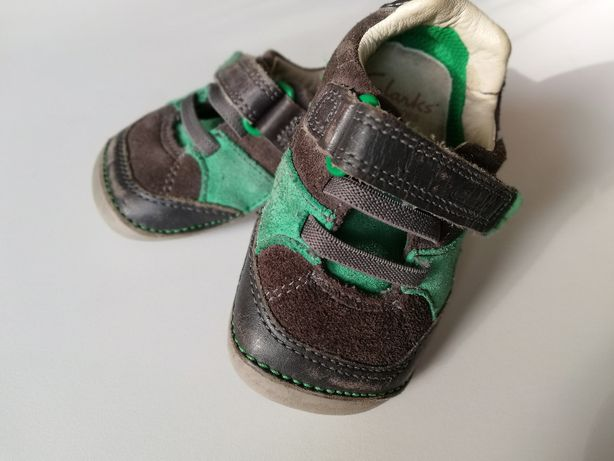 Buciki Clarks First Shoes - roz. 19, UK 3 dla uczących się chodzić