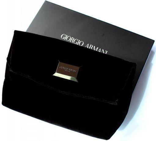 Nowa wieczorowa kopertówka Giorgio Armani