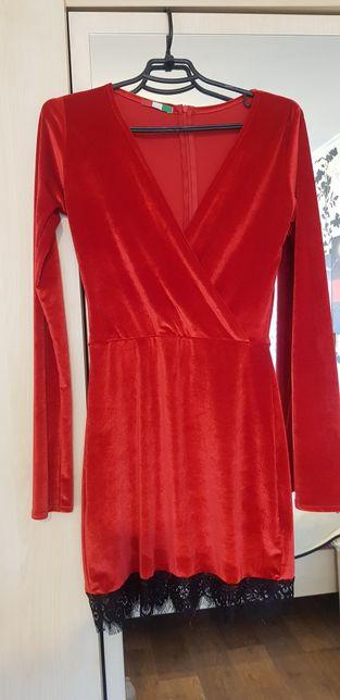 Нарядное платье из бархата