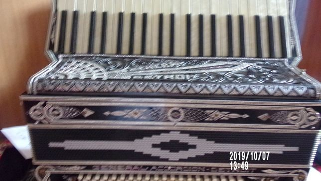 włoski akordeon general detroit 120b4 ch piękny tremol francuski