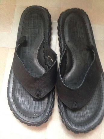 Продам пляжную обувь