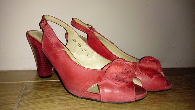 Sprzedam buty Wojas