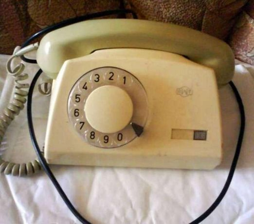 Телефон стационарный дисковый проводной СССР