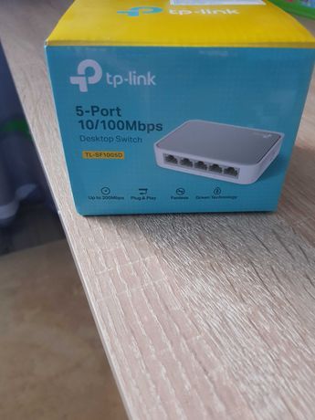 5- портовый 10/100 Мбит/с настольный коммутатор