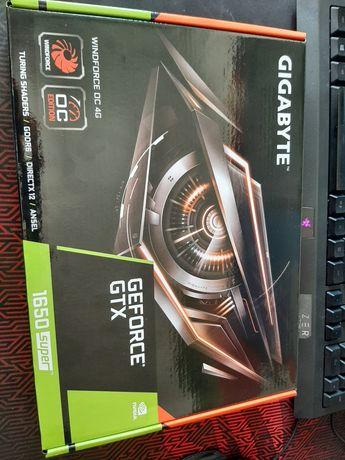 Placa gráfica - NVIDIA GeForce GTX 1650 SUPER Windforce OC 4G GDDR6