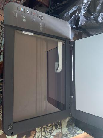 Продам принтер HP 1050A