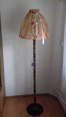 Lampa stojąca piękna
