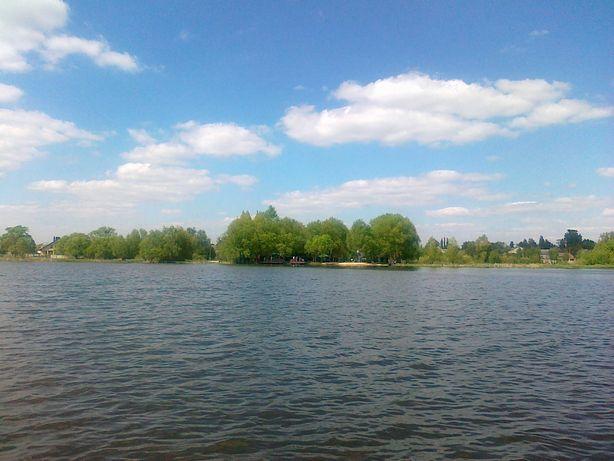 Продам базу на берегу реки в живописном месте Киевщины