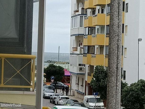 T1 Costa da Caparica com Parquemento