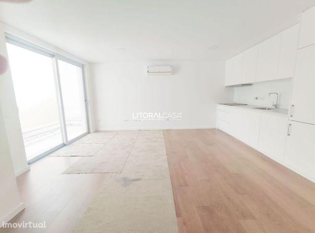Apartamento T2 Novo localizado na Beira-Mar