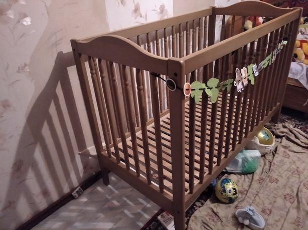 Детская кроватка с натурального дерева