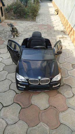 Продам детский электромобиль BMW X6.