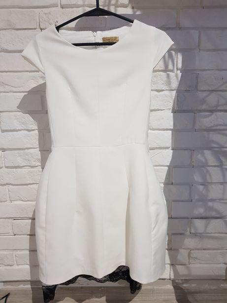 Biala sukienka z czarną koronką 36
