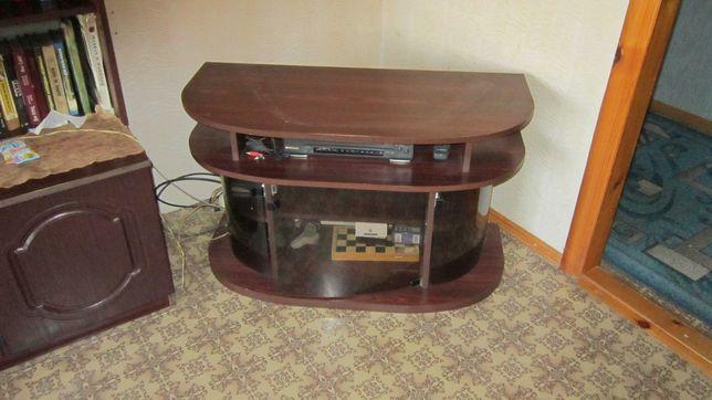 Тумба под телевизор в идеальном состоянии